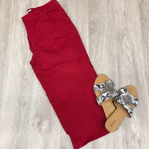 Croft and Barrow Red Capris Size 12 BB203